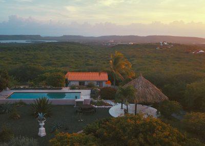 zwembad en uitzicht Corazon Curacao